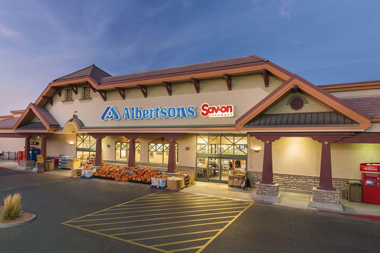 Albertsons Store Front Picture - 8410 Farm Rd in Las Vegas NV