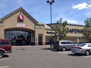 Safeway Store Front Picture at 1550 N Pacific Highway in Woodburn OR