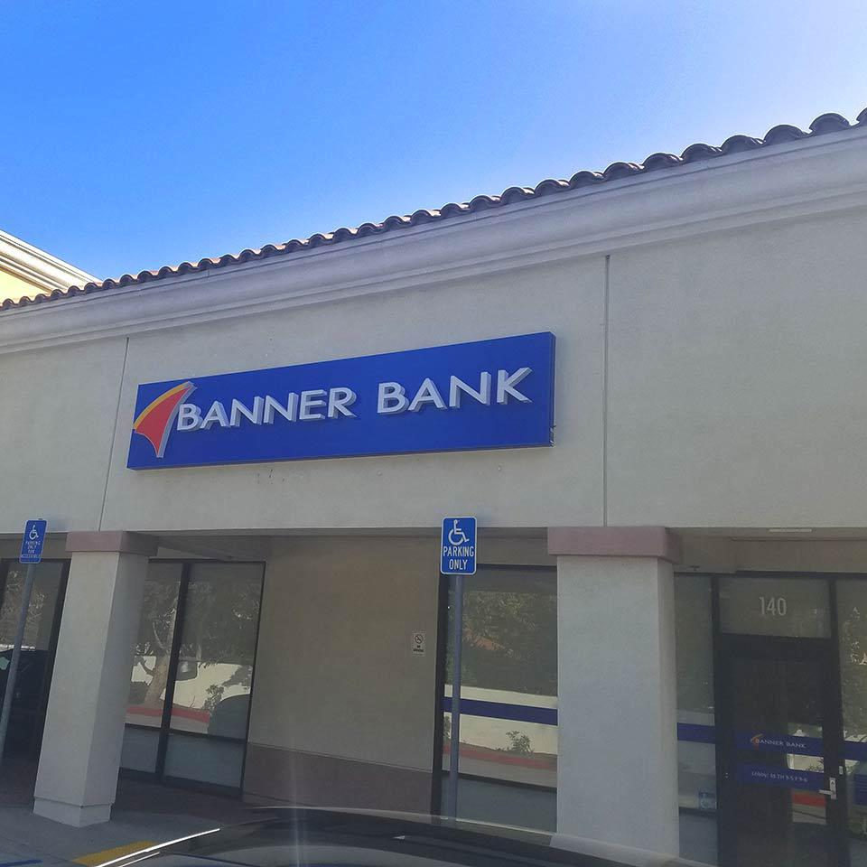 Banner Bank  branch in Glendora, California