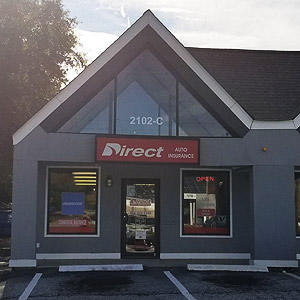 Front of Direct Auto store at 2102 Laurens Road, Greenville