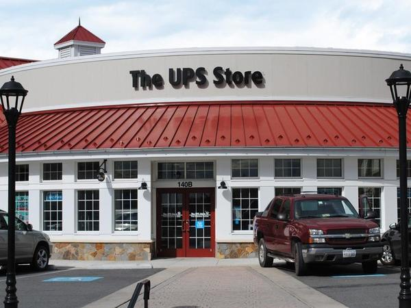 Facade of The UPS Store Purcellville