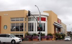 Vons Store Front Picture at 515 W Washington St in San Diego CA