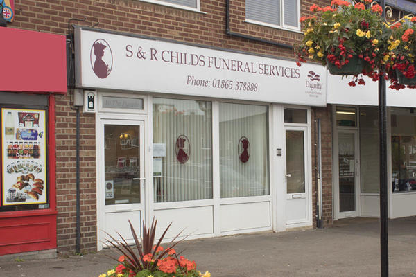 S & R Childs Funeral Directors in Kidlington, Oxfordshire.