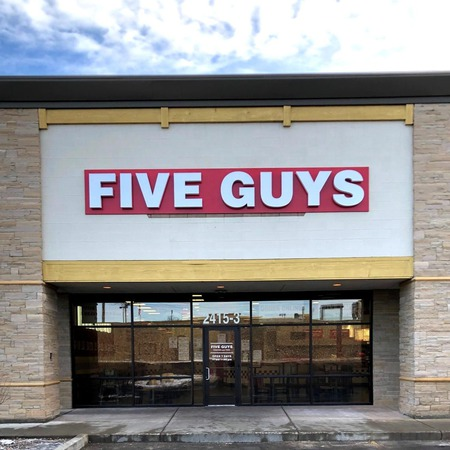 Store front of Five Guys at 2415 Us-93 N in Kalispell, MT.
