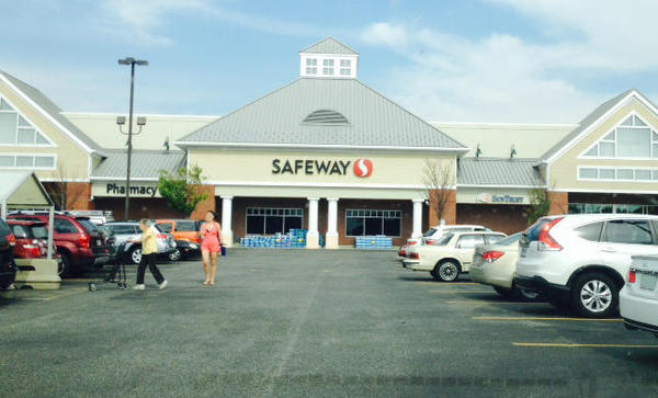 Safeway Store Front Picture at 1925 Main St in Chester MD