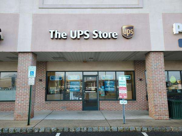 Facade of The UPS Store Hamilton