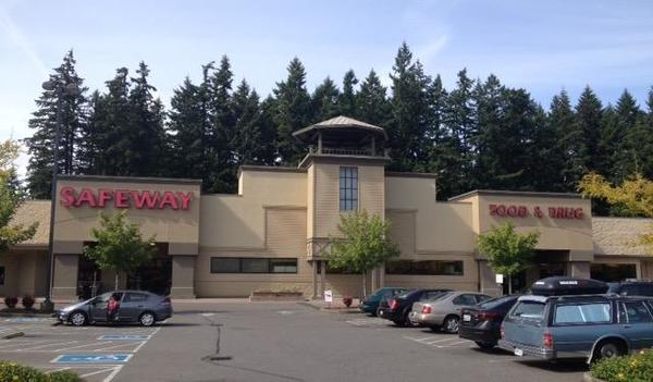 Safeway Store Front Picture at 6200 Pacific Ave SE in Lacey WA