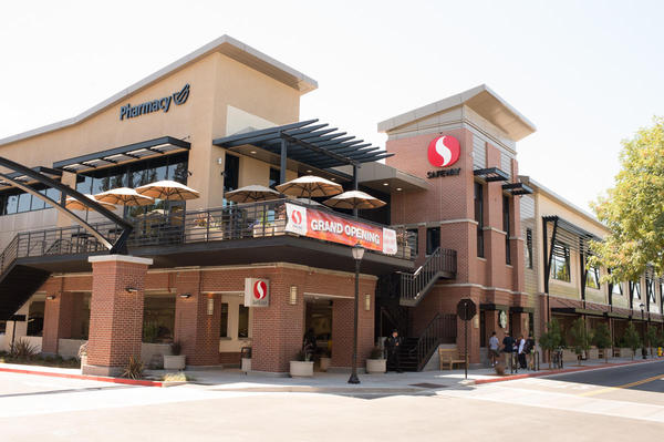 Safeway Store Front Picture at 160 1st St in Los Altos CA