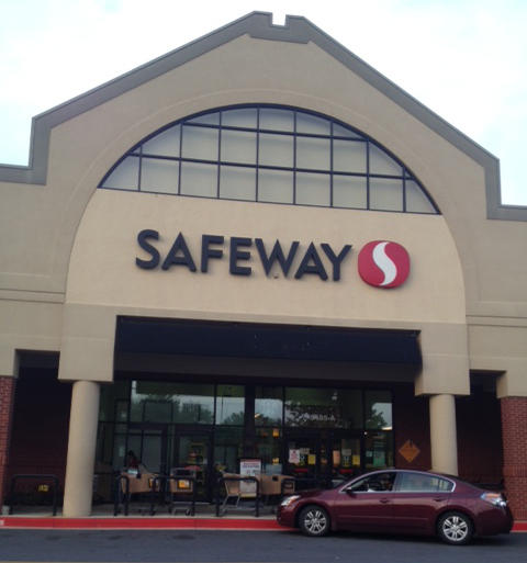 Safeway Store Front Picture at 4401 Harford Rd in Baltimore MD