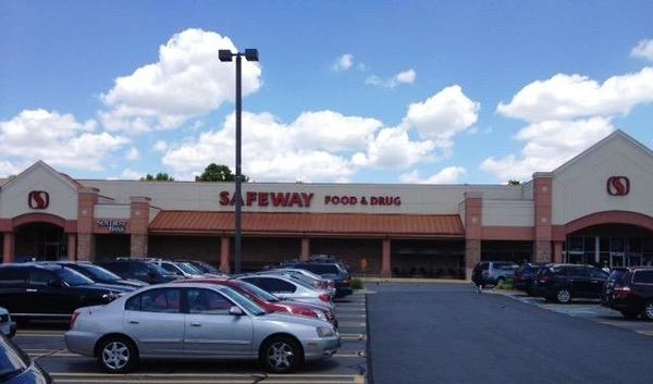 Safeway Store Front Picture at 9596 Old Keene Mill Rd in Burke VA
