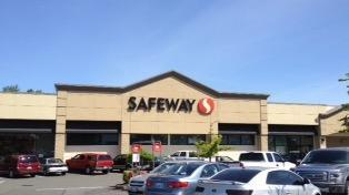 Safeway Store Front Picture at 27035 Pacific Highway in Des Moines WA