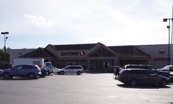 Safeway Store Front Photo at 301 Westfield St in Silverton OR