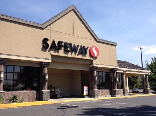 Safeway Store Front Picture at 642 NE 3rd in Bend OR