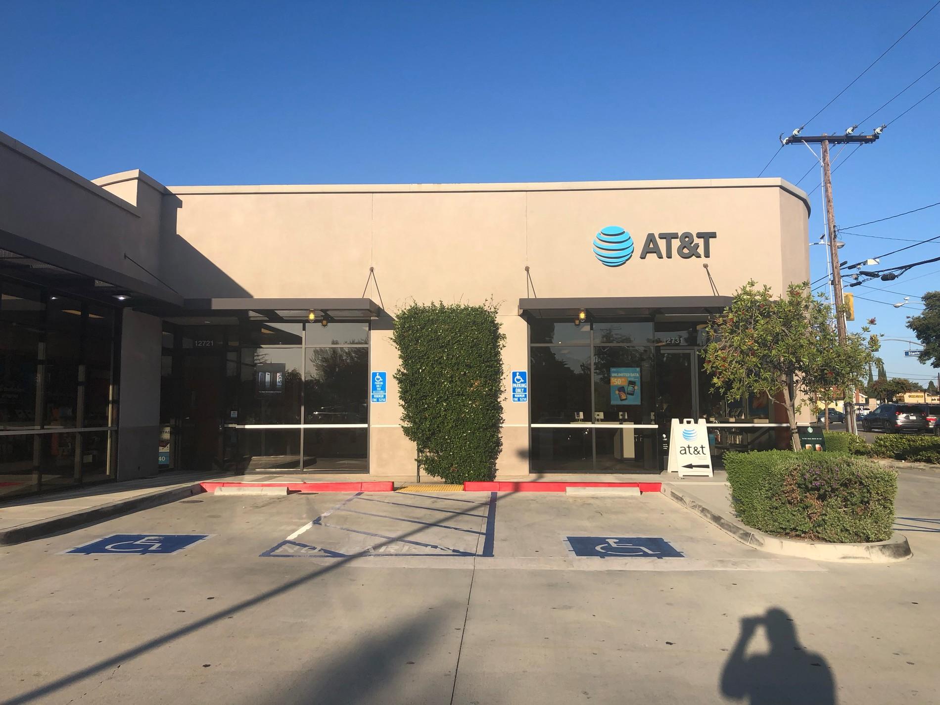 AT&T Store - Garden Grove - Garden Grove, CA – iPhone ...