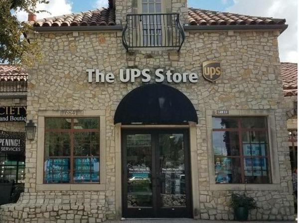 Facade of The UPS Store McKinney