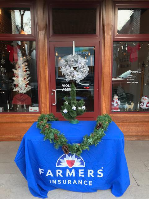 Farmers table with wreath on it