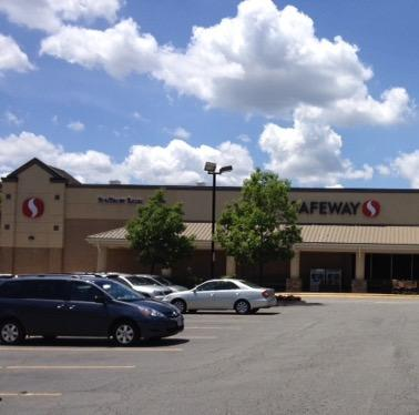 Safeway Store Front Picture at 3713 Lee Highway in Arlington VA