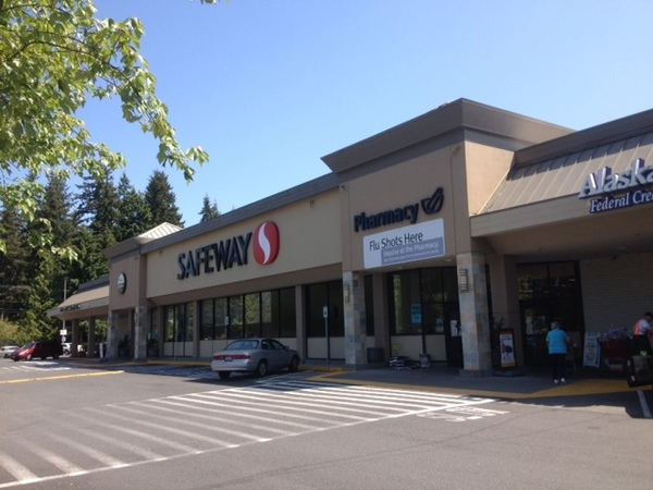 Safeway Store Front Picture at 11031 19th Ave in Everett WA