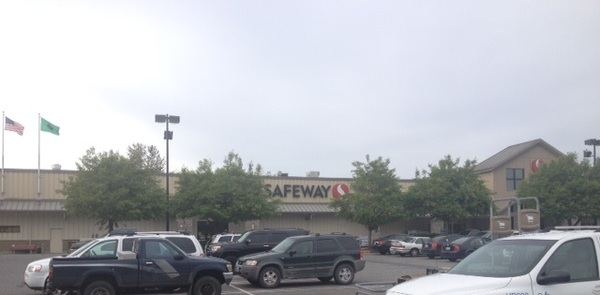 Safeway Store Front Picture at 20500 Olympic Pl in Arlington WA