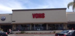 Vons Store Front Picture at 3993 Governor Dr in San Diego CA