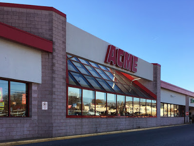 Acme Markets store front picture at 1 University Plaza in Newark DE