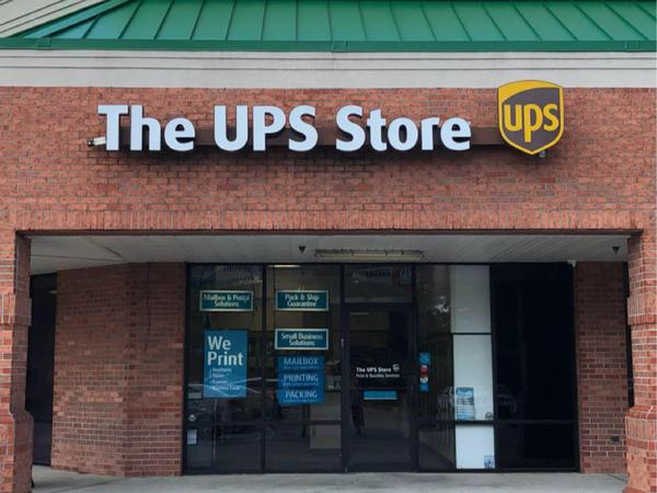 The UPS Store Highland Rd: Shipping & Packing, Printing and