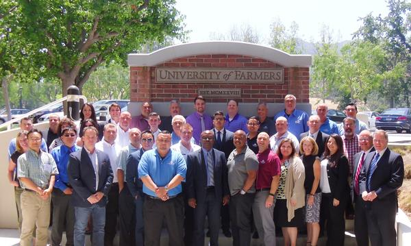 Group of 36 agents at University of Farmers