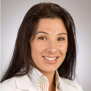 Headshot of Maristela Batezini, MD