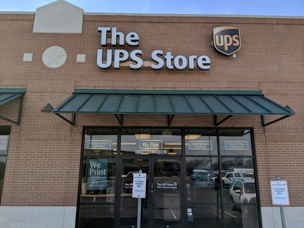 Facade of The UPS Store Waco