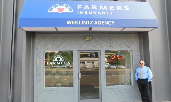 Farmers® Storefront with agent outside