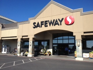Safeway Store Front Picture at 401 S Roosevelt Dr in Seaside OR