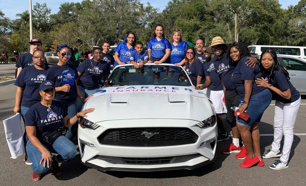 Felder Agency & the Black Professional Alliance ERG of Farmers Insurance family in the MLK parade