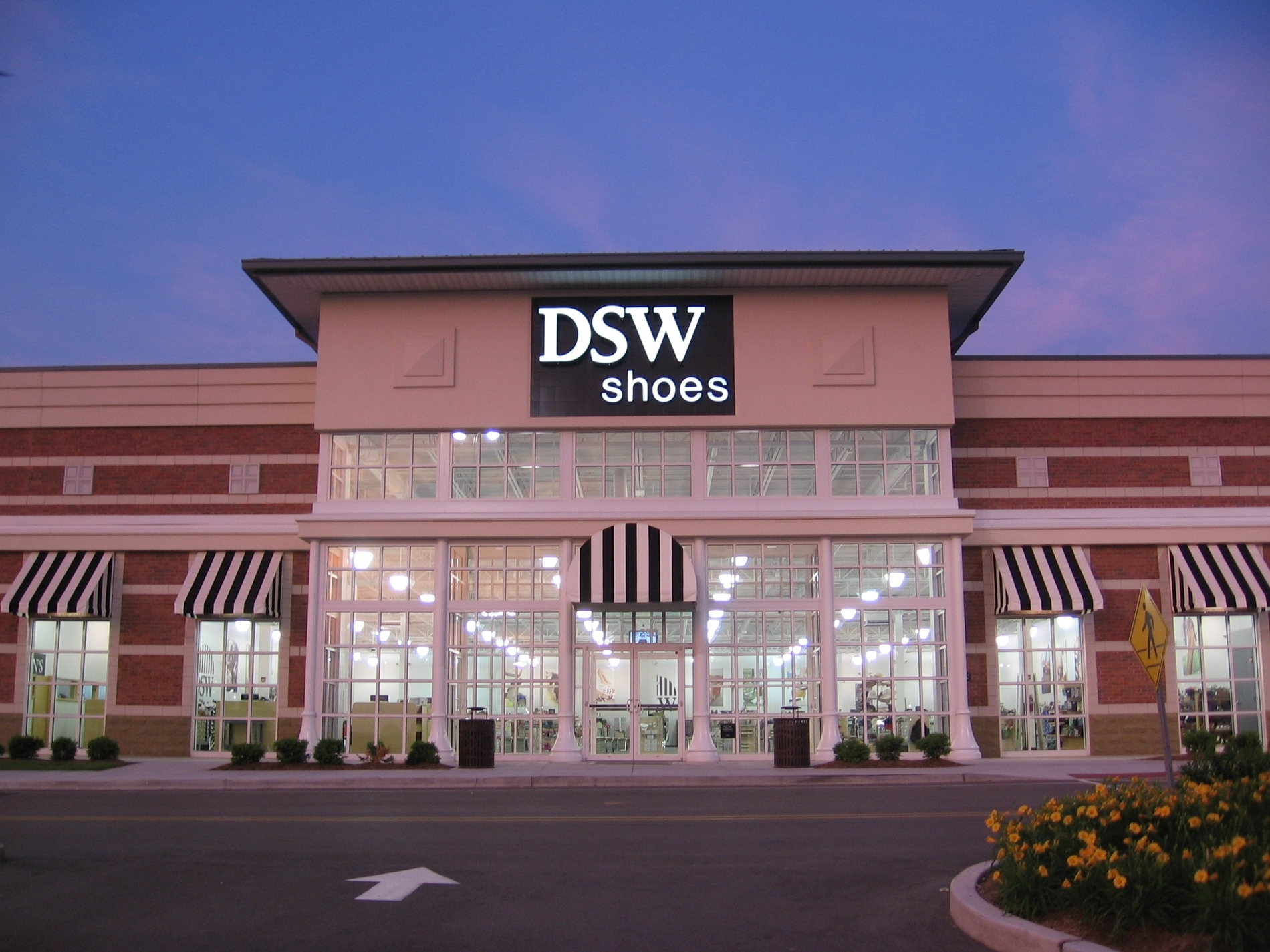 DSW   Mid Rivers Center   St. Peters MO