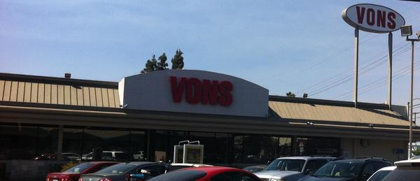 Vons Laurel Canyon Blvd Store Photo