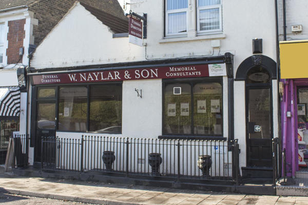 W Naylar & Son Funeral Directors in Rochester, Kent.