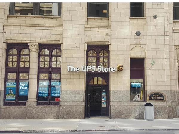 Facade of The UPS Store Detroit