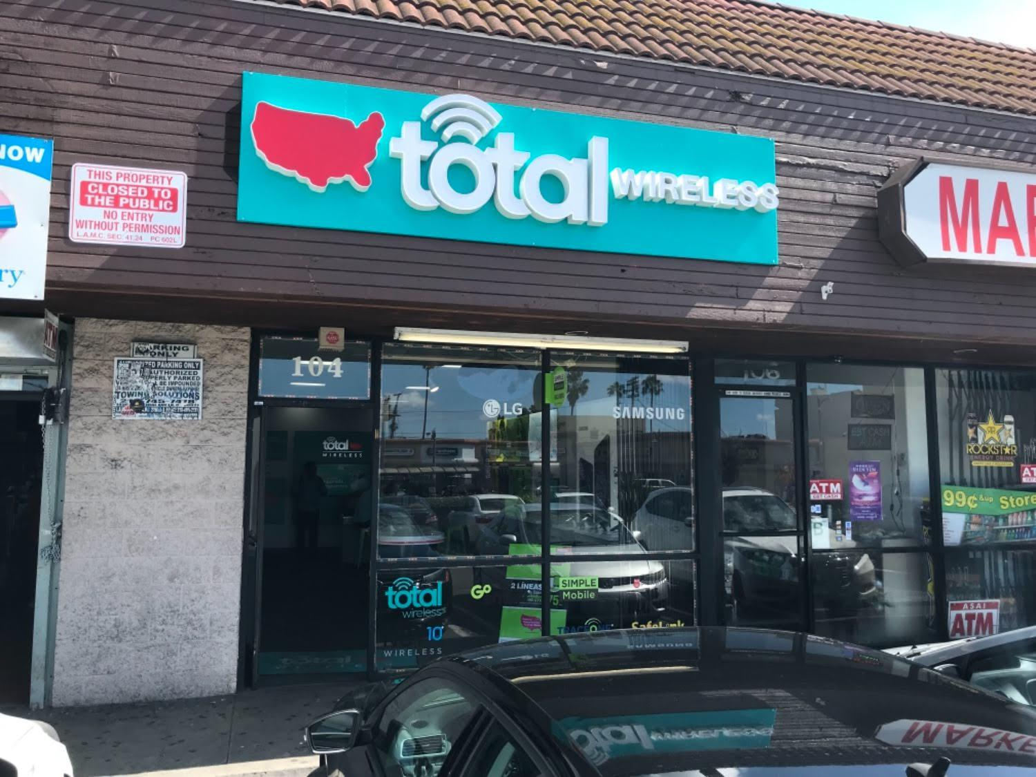 Total Wireless Store front image in Los Angeles,  CA