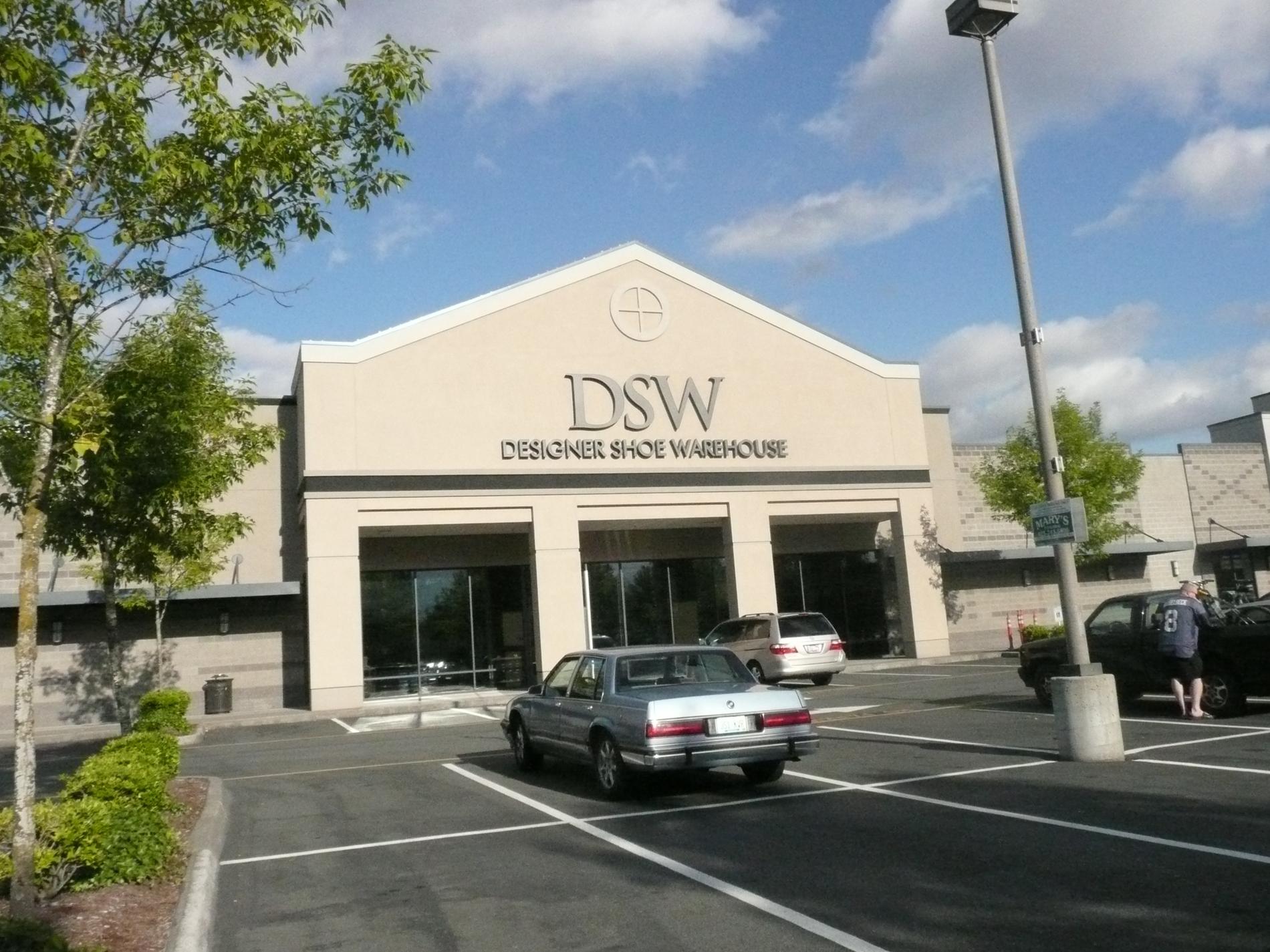 dsw women 39 s and men 39 s shoe store in lynnwood wa. Black Bedroom Furniture Sets. Home Design Ideas