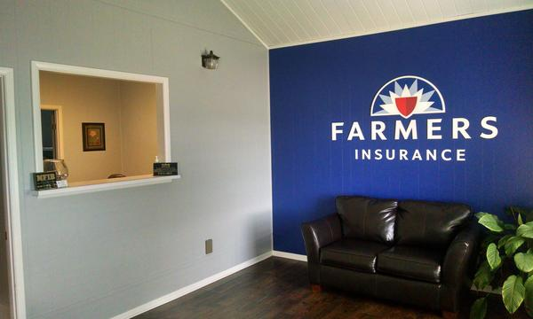 Welcome to Farmers - The Broadhurst Agency! Check out our new office interior.