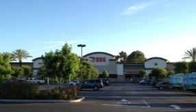 Vons Store Front Picture at 15740 La Forge St in Whittier CA