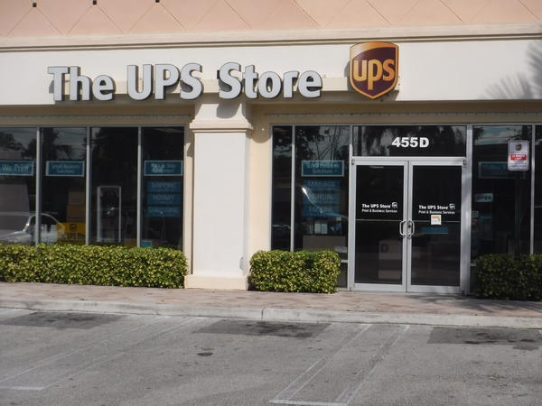 Facade Of The Ups Delray Beach