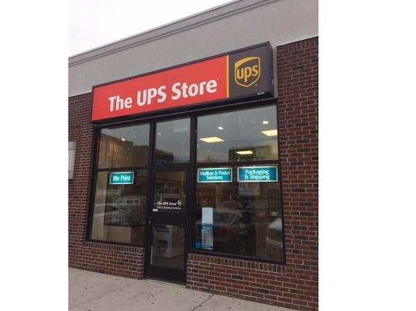 Facade of The UPS Store Brooklyn