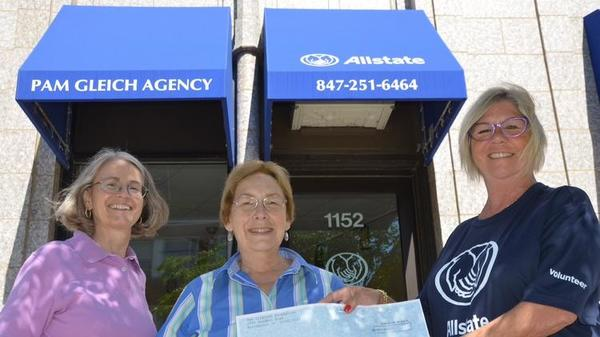Pam Gleich - Allstate Foundation Helping Hands Grant for The Woman's Club of Wilmette