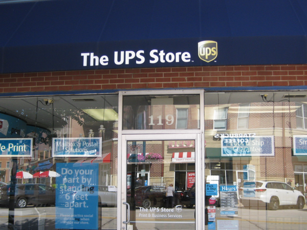 Storefront of The UPS Store in Mount Prospect, IL