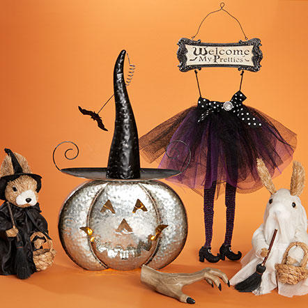 Halloween - Assorted Halloween pumpkins, witches and wall decor