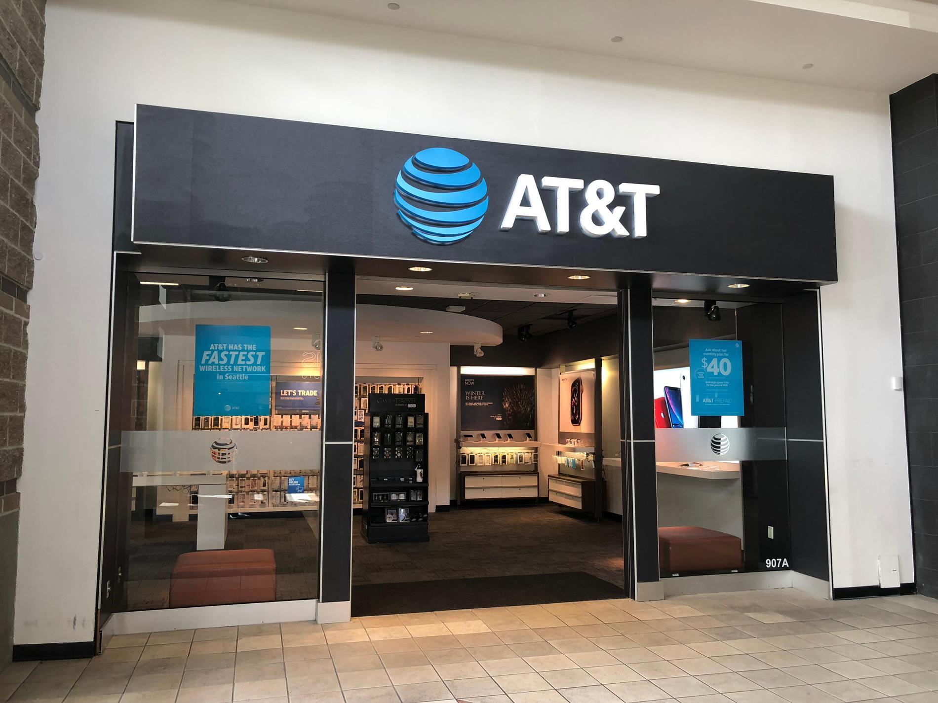 AT&T Store - Northgate Mall - Seattle, WA