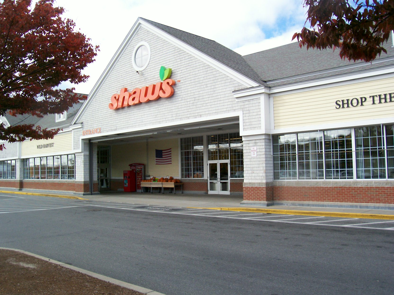Shaw's Store Front Picture at 1108 State Rd in South Yarmouth MA