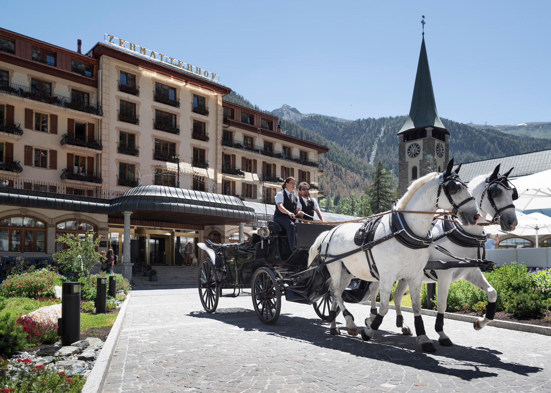 Grand Hotel Zermatterhof - Horse drawn carriage