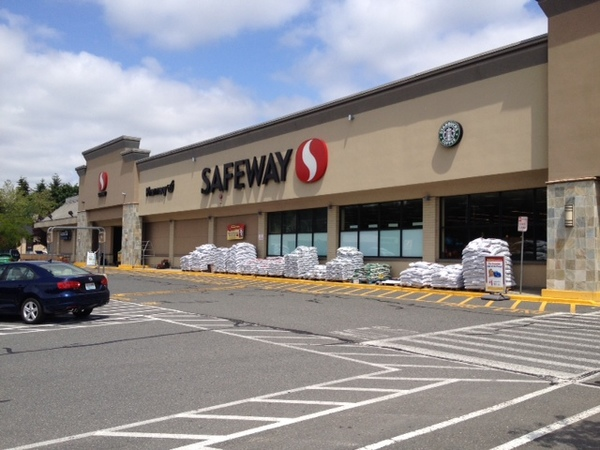 Safeway 124th Ave NE Store Photo