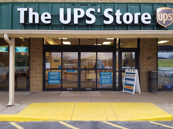 Facade of The UPS Store Stow